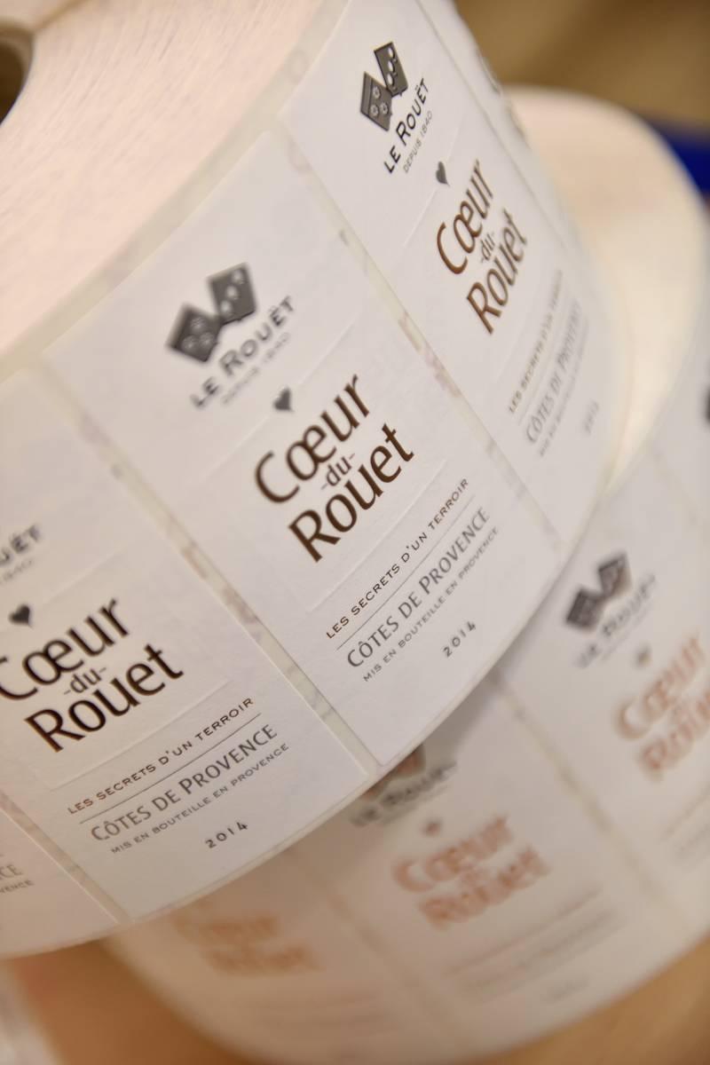 Etiquette de vin avec gaufrage et dorure à chaud